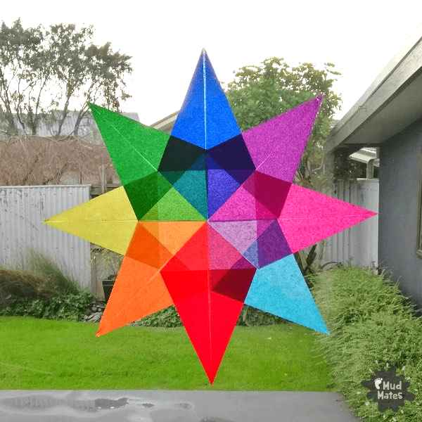 Our STEAM newsletter finds cool projects like this tissue paper star from Mudmates for Matariki.